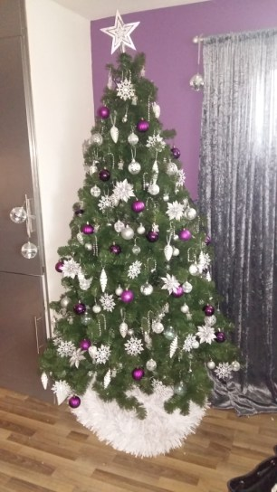 christmas-tree-daylight