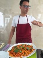 Hand-rolled macaroni with fresh tomato sauce