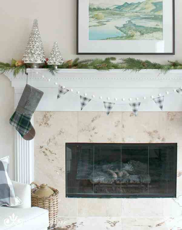 Decorating Christmas In Plaid
