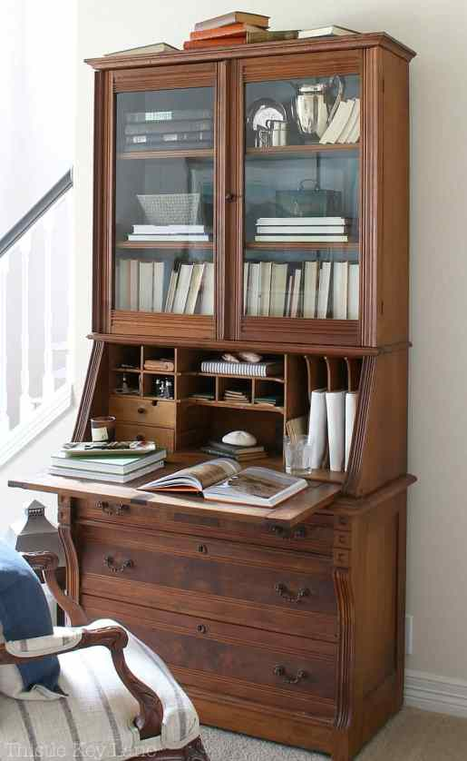 Style your secretary as a library.