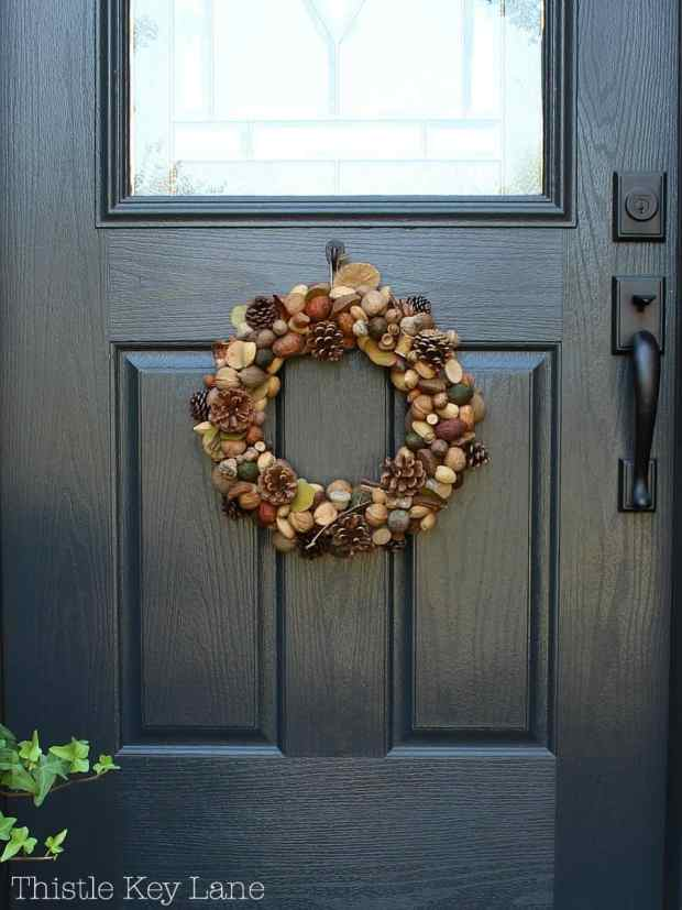 Simple wreath with fall colors for the front door.