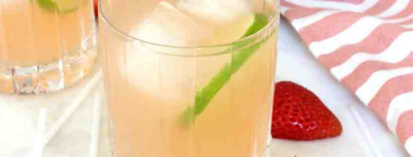 Refreshing strawberry lemonade margarita recipe. #lemonademargarita #margaritarecipe