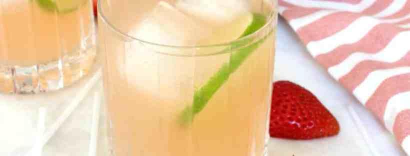 Refreshing strawberry lemonade margarita recipe. #lemonademargarita #margaritarecipe
