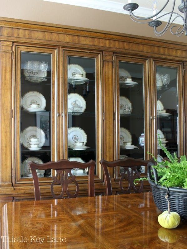 Large display china cabinet for a pretty background. #chinacabinet #chinacabinetstyle #frenchcountrychinacabinet