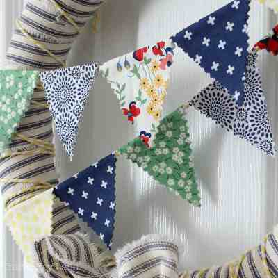 How To Make A Ticking Stripe Wreath