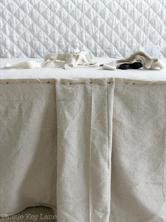 Details like the pleat make a cute bench slipcover.