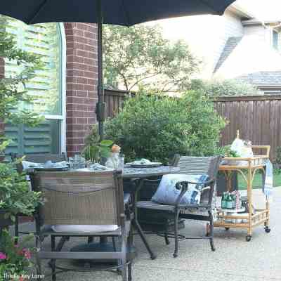 Relaxing Patio Style With Blue And White Accents