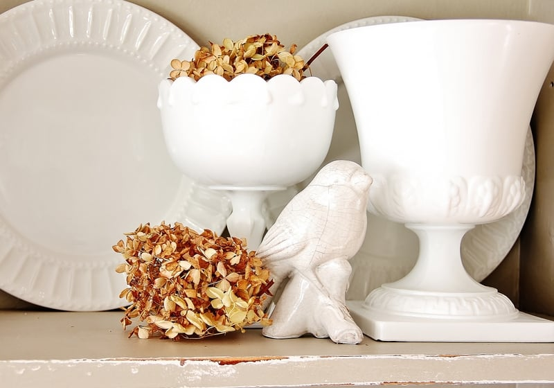 fall-decorating-ideas-for-the-kitchen-dried-hydrangea