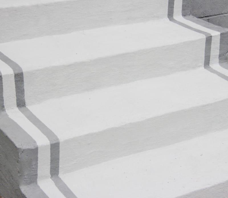 painted-concrete-steps