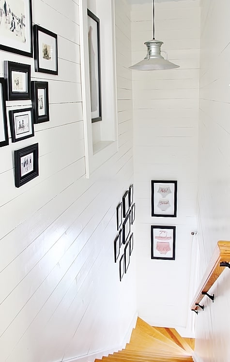 beach-cottage-style-staircase