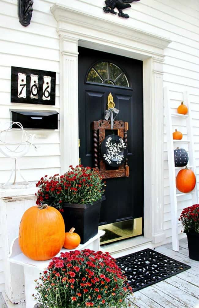 fall decorating back door