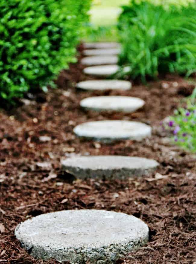garden-path-stepping-stones_thumb1