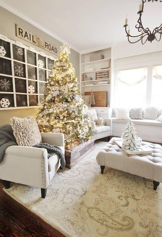 christmas-tree-family-room