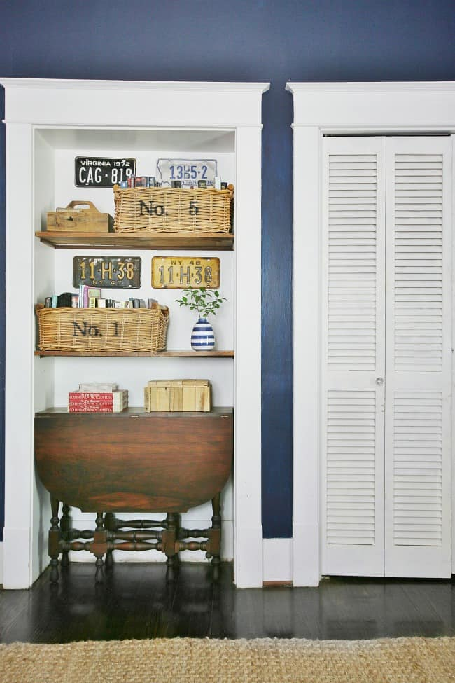 Baskets and old license plates decorate the room
