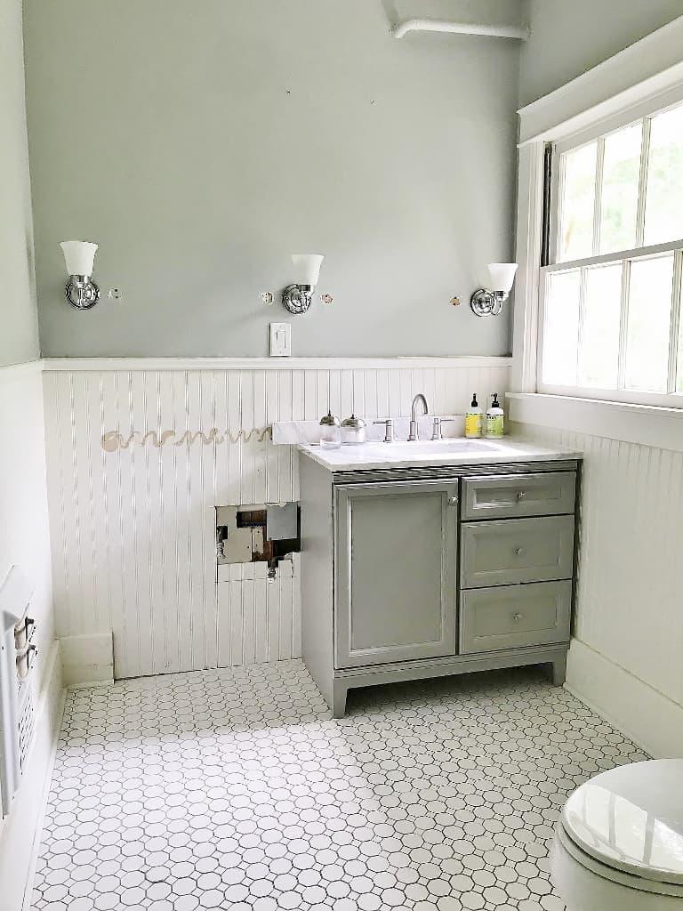 sherwin williams sandbar bathroom