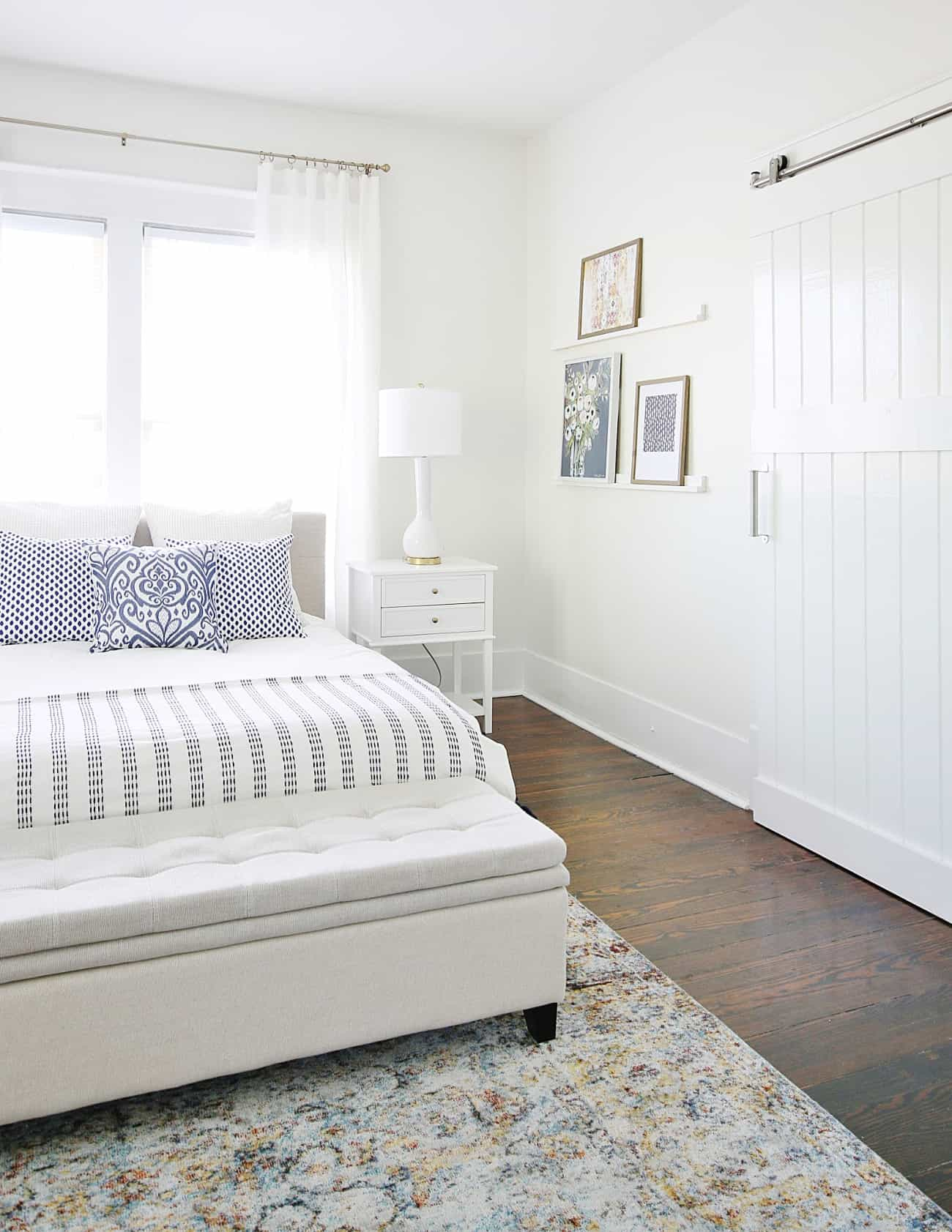 how to choose a lamp shade bedroom