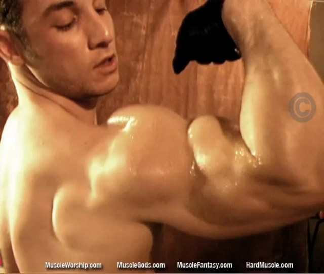 Marco Rossi Muscle Worship