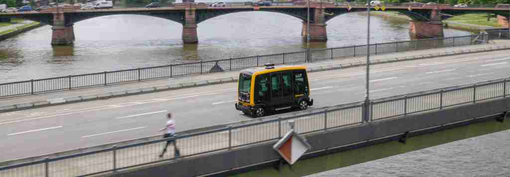 Frankfurt commuters may soon jump aboard #Robo-Taxi