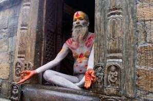 sadhu-in-pose-pashupatinath-nepal-copyright-2014-ralph-velasco