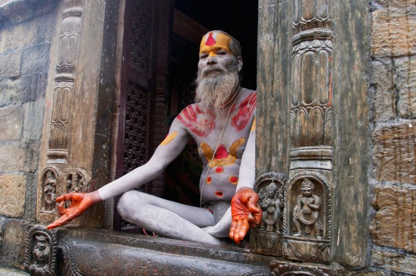 sadhu-in-pose-pashupatinath-nepal-copyright-2014-ralph-velasco