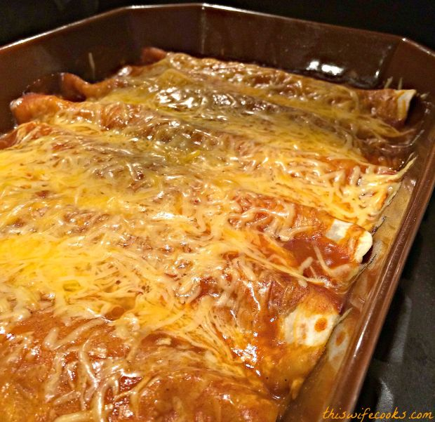 Beefy Bean and Cheese Vegetarian Enchiladas. Easily adaptable to vegan! | thiswifecooks.com