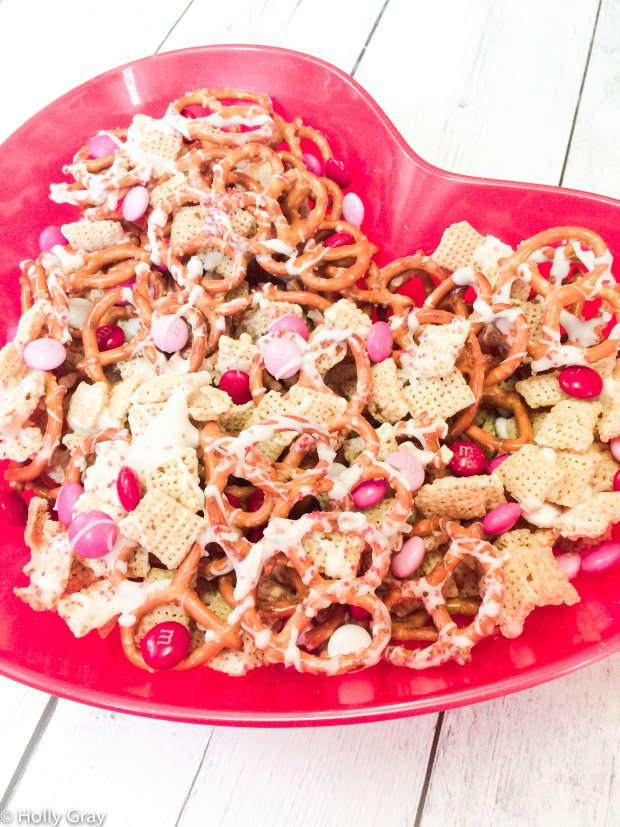 Valentine's Day Snack Mix -Sweet and salty crunchy goodness in every bite is what you get with this ridiculously easy and crazy addictive Valentine's Day snack!
