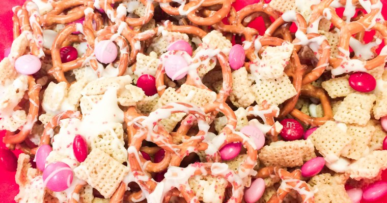 Valentine's Day Snack Mix