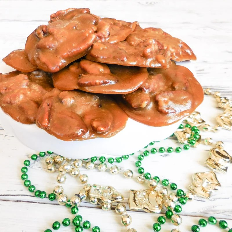 Vegan Pecan Pralines |Get a taste of New Orleans right at home! These sweet, chewy, pecan-laced confections are easy to make, require only a handful of ingredients, and come together in minutes! Laissez les bon temp rouler! | thiswifecooks.com