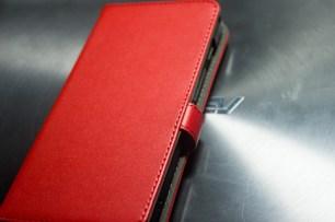 ZenFone5 A500KL ブックカバー・レザーケース装着、表面。