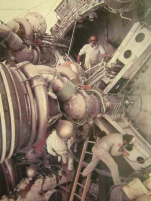 Saturn V Pics of pics 006