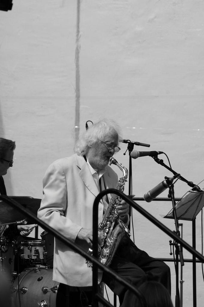 The Bassfest Swing Trio feat. Emil Mangelsdorff