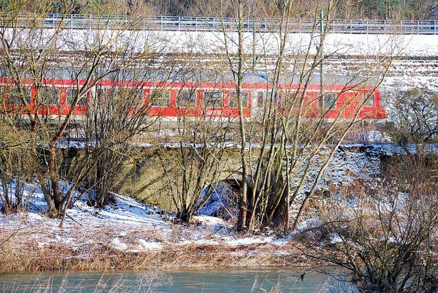 Der nördliche Teil der Bamberger Mauer mit dem Durchlass des Schmerzensgrabens im Jahr 2009