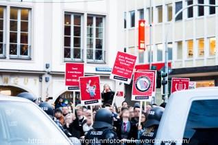 Gegenprotest am Rande des Aufmarsches