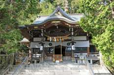 Hachiman Jinja (八幡神社)