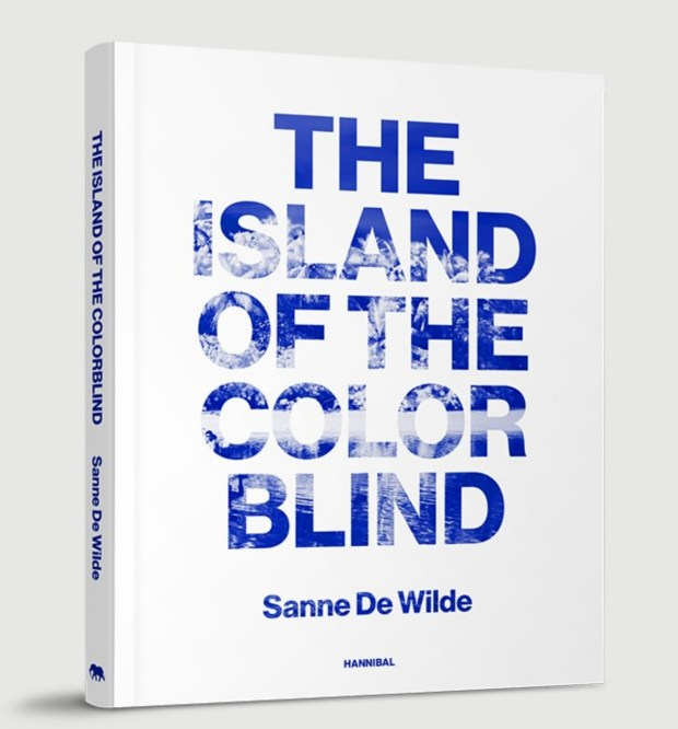 photoq-bookshop-sanne-de-wilde-island-of-the-color-blind-cover