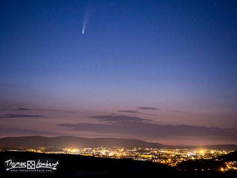 la comète Neowise au-dessus de Besançon, vue depuis Boussières, le 10-07-2020