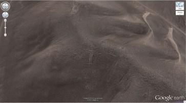 """Un gentil géant dans les collines du Chili (19 ° 56'56.96 """"S 69 ° 38'1.83″ W) Huara, Tarapacá, Chili"""