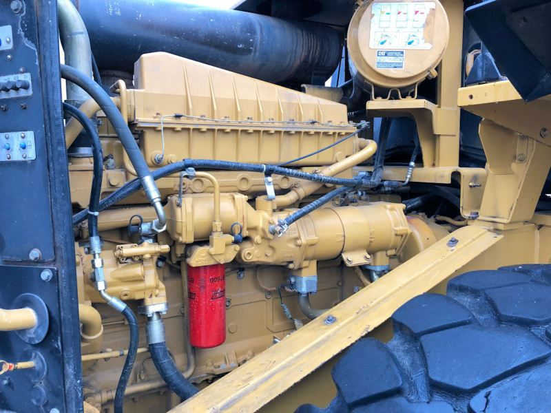 1999 Caterpillar 972G Engine from Right Rear