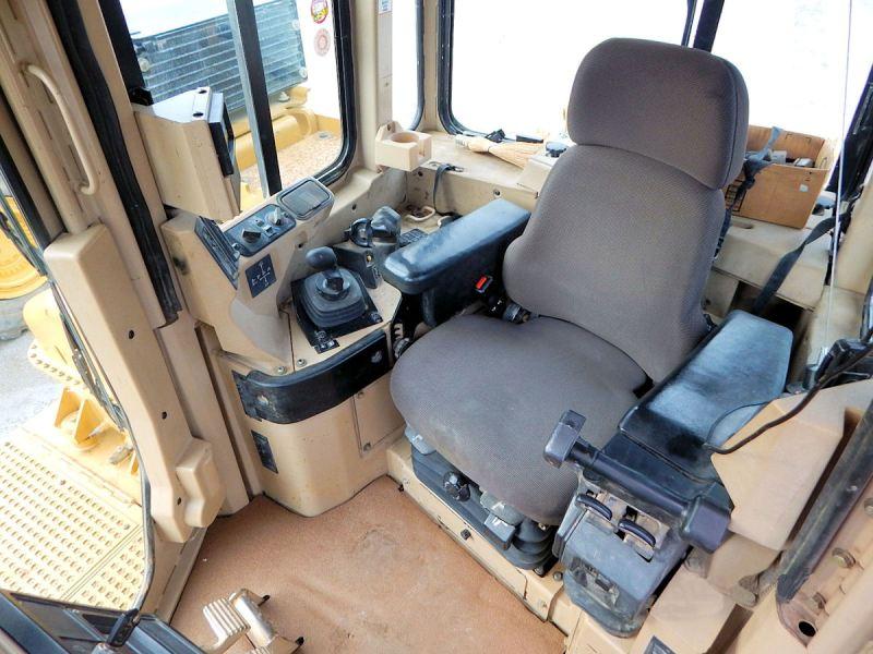 2003-Cat-D10R - D10R-CAB-SEAT