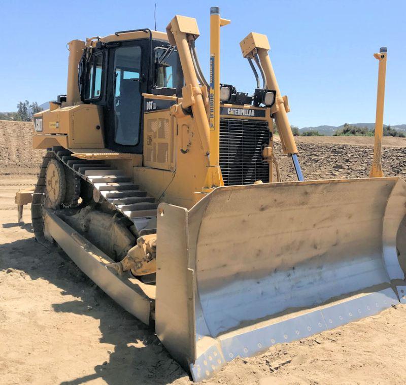 2008 Caterpillar D6T XL Right Front