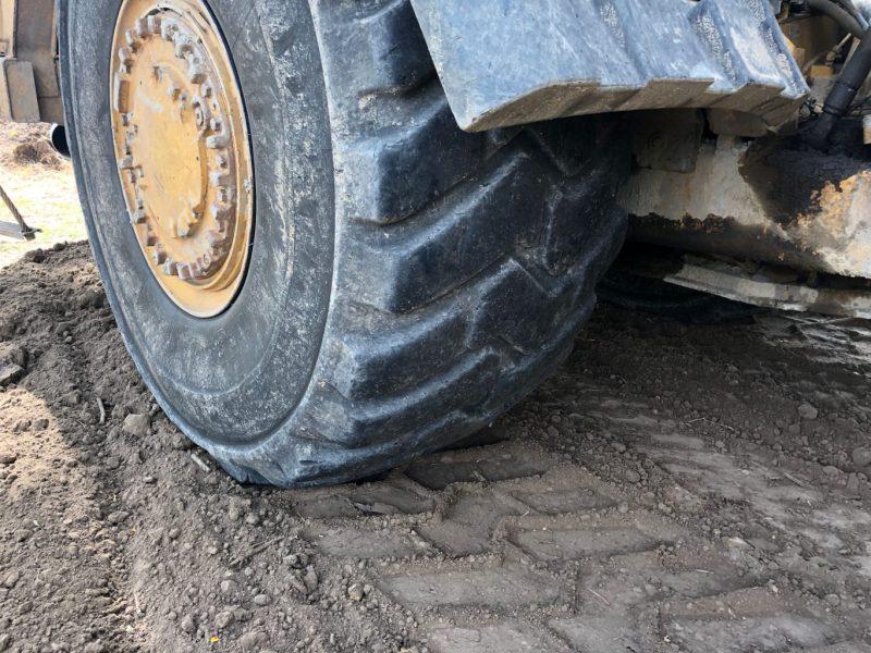2012 Caterpillar 627H Tire