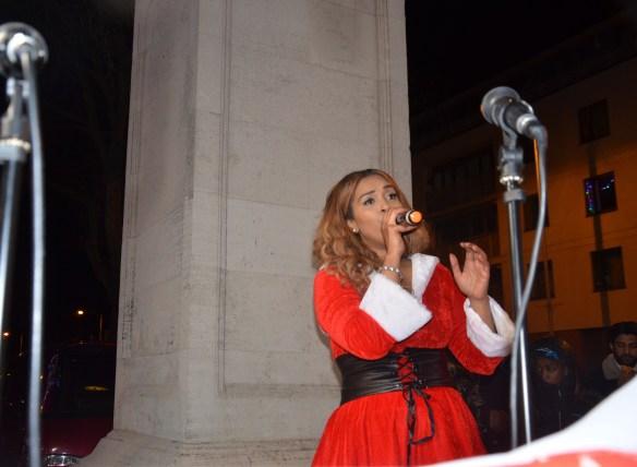 Kimberley Singing cropped DSC_6857