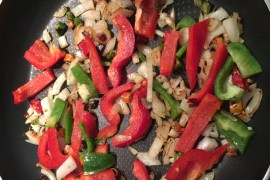red-pepper-pan-green-onion-stir-fry-cooking-nutriution-colourful-vegetables-healthy-nutritious