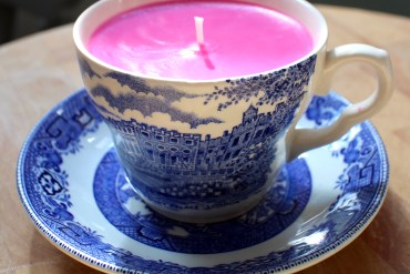 soy-homemade-scented=candles-teacups-vintage