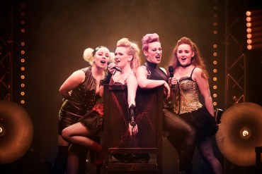 lizzie-musical-greenwich-theatre-hit-show-westend-stage-london-girls-singing-band