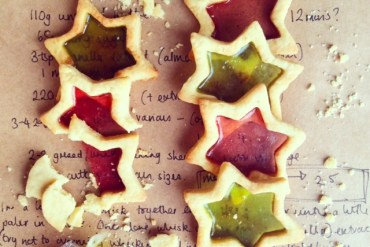stained-glass-cookies-baking-bright