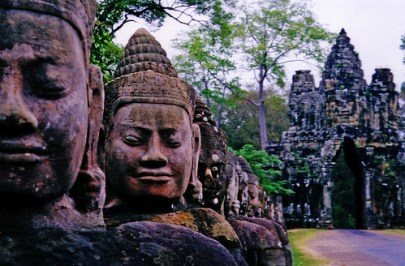 angkor_faces