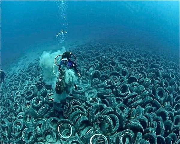 lixo-oceano-pneus
