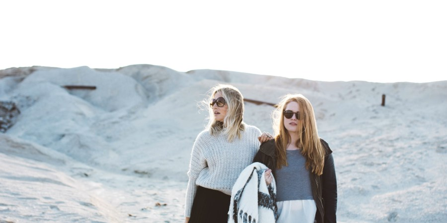 10 Beautifully Simple Reminders That Will Help You Make Peace With Your Drifting Friendships