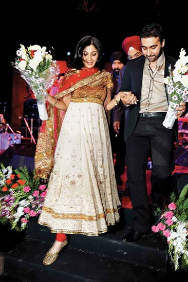 Shilpa Shetty Blessed With A Baby Boy Thoughtful India